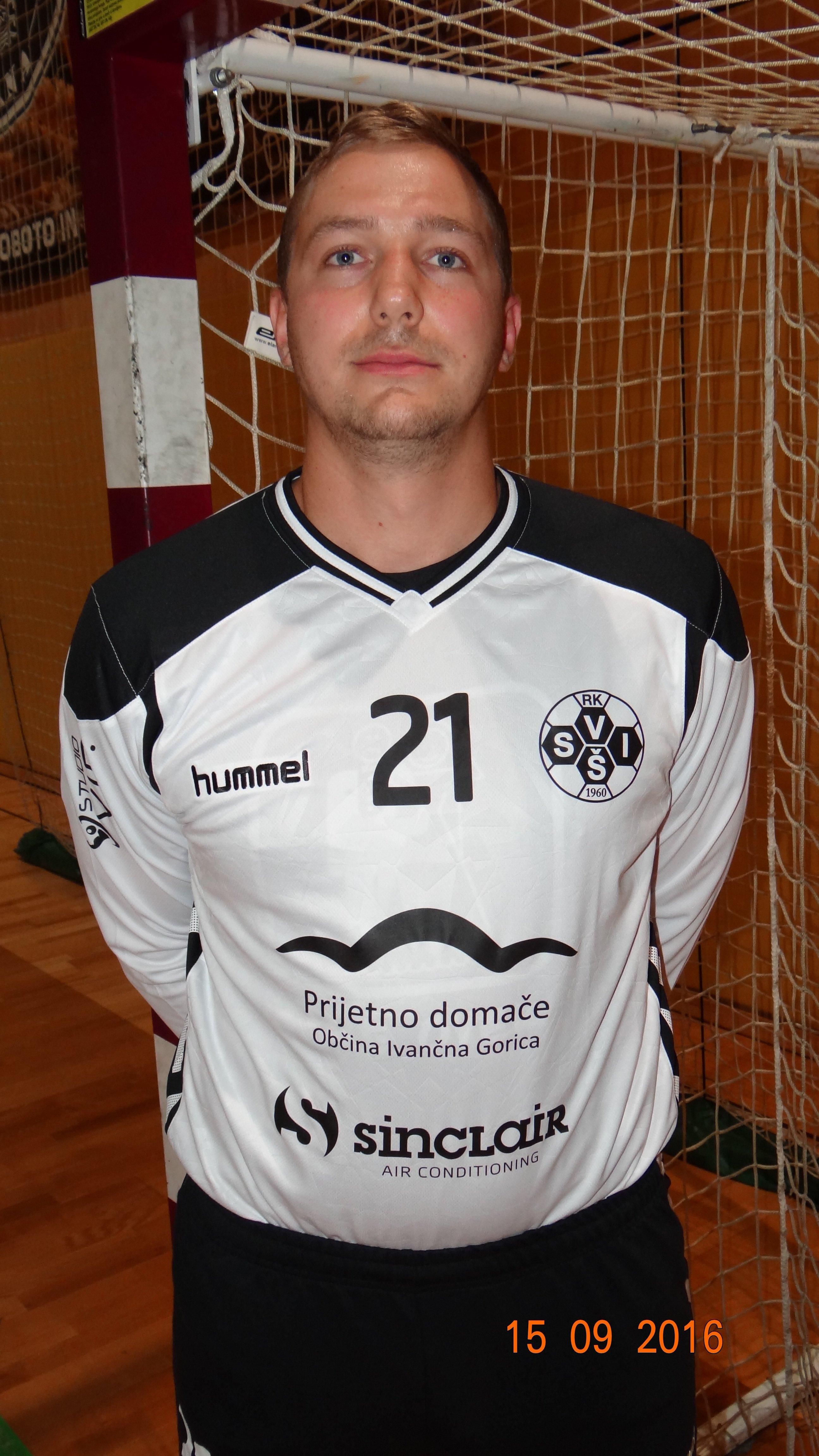 Gašper Slapničar, 23 let, vratar