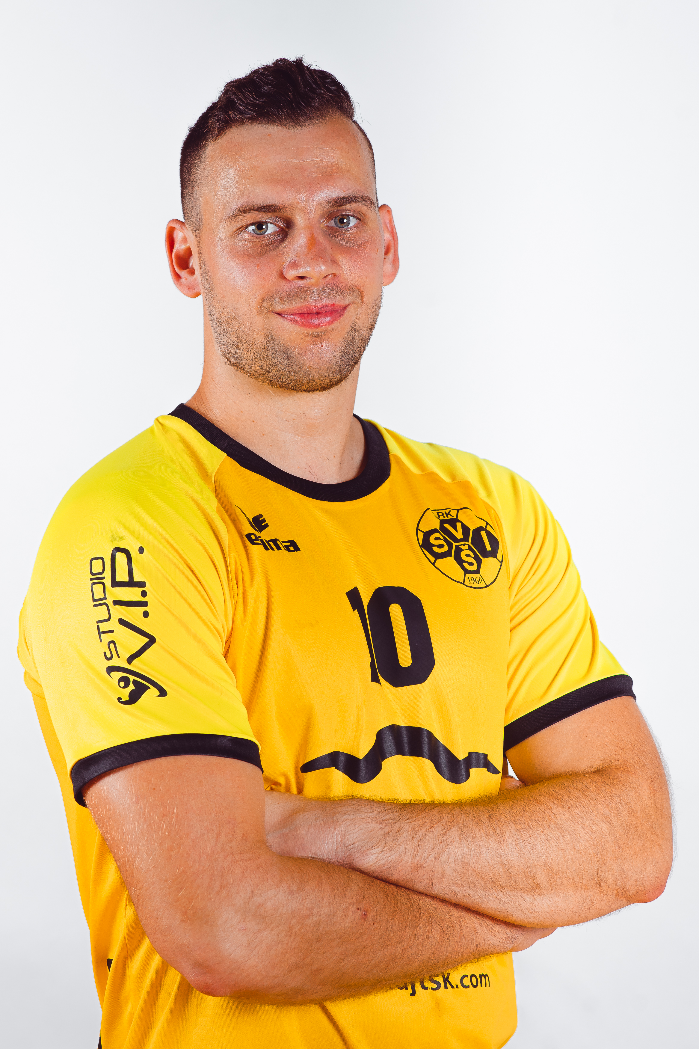 10 Denis Zavodnik